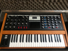 Load image into Gallery viewer, Moog Voyager