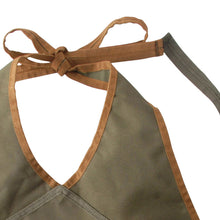 Load image into Gallery viewer, http://images.esellerpro.com/2278/I/143/802/GT49-khaki-green-lady-garden-apron-pockets-adjustable-close-up-2.jpg
