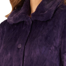 Load image into Gallery viewer, http://images.esellerpro.com/2278/I/183/994/HC4336-slenderella-ladies-faux-fur-collar-button-up-robe-housecoat-dressing-gown-purple-close-up-1.jpg