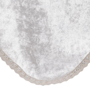http://images.esellerpro.com/2278/I/150/829/crushed-velvet-chair-back-crochet-trim-cream-close-up.jpg