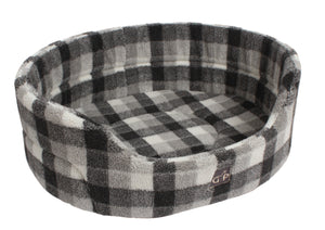 http://images.esellerpro.com/2278/I/129/913/highland-premium-oval-dog-pet-bed-winter-check.jpg