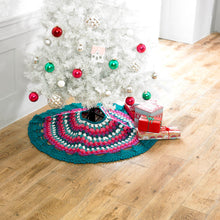 Load image into Gallery viewer, http://images.esellerpro.com/2278/I/130/153/king-cole-christmas-crochet-book-2-christmas-tree-skirt.jpg