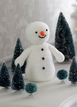 Load image into Gallery viewer, http://images.esellerpro.com/2278/I/130/153/king-cole-christmas-crochet-book-2-snowman-amigurumi.jpg