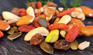 Mix of nuts and dried berries 100g