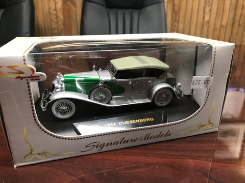 1934 Duesenberg Phaeton 1:32 Scale Metal Model