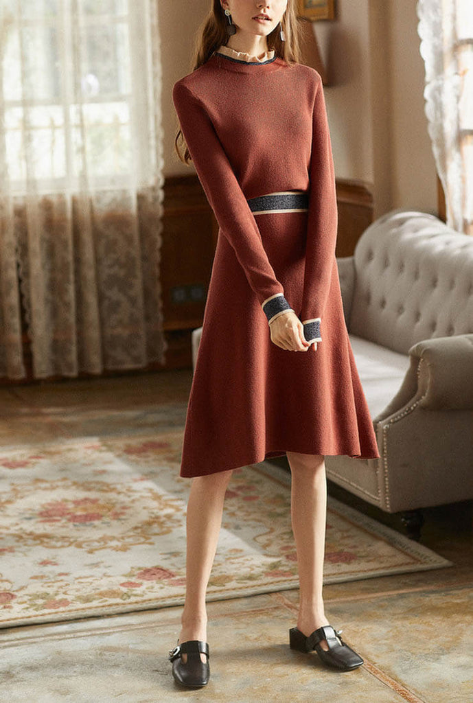 Elegant Long-sleeved Knit Midi Dress