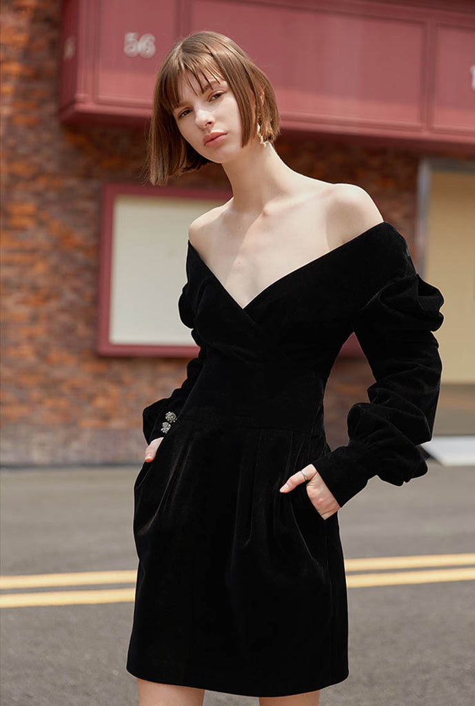 Retro Off-the-shoulder Waist Black Prom Dress