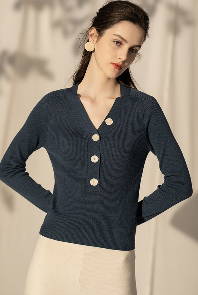 V-neck Long-sleeved Pullover