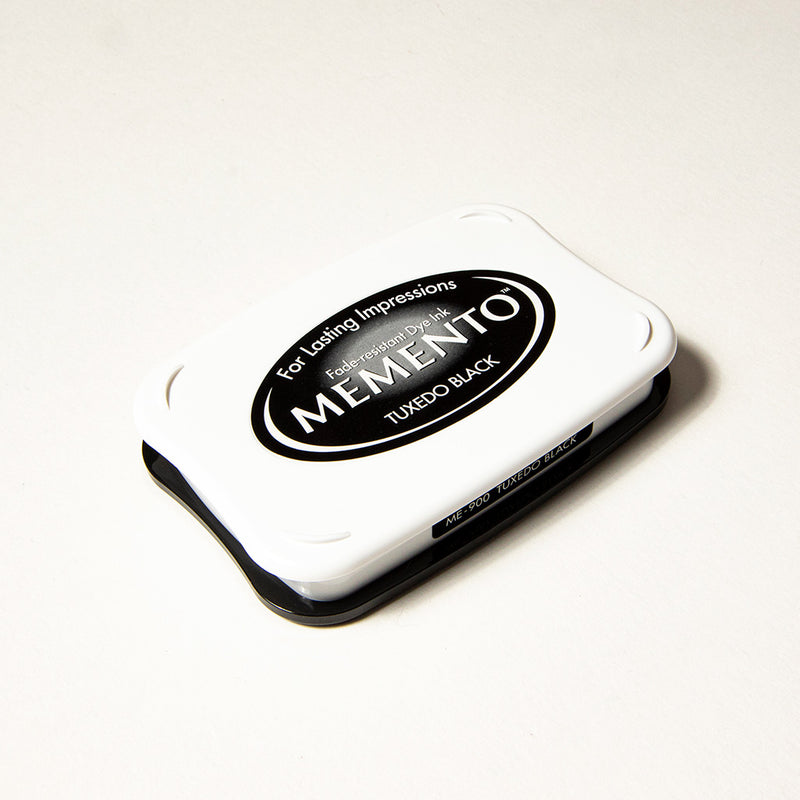 Inkpad black for the rubber stamps Memento by Tsukineko