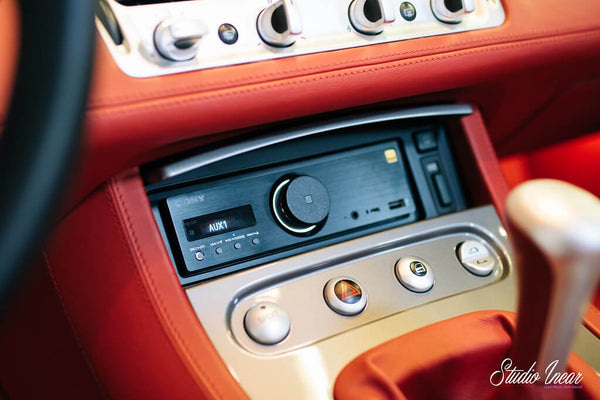 BMW Z8 Console - Sony GSX-RS9