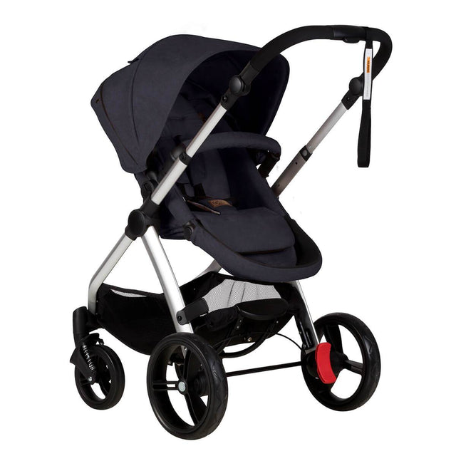 Mountain Buggy cosmopolitan 4 wheel modular buggy in parent facing seat mode in colour ink_ink