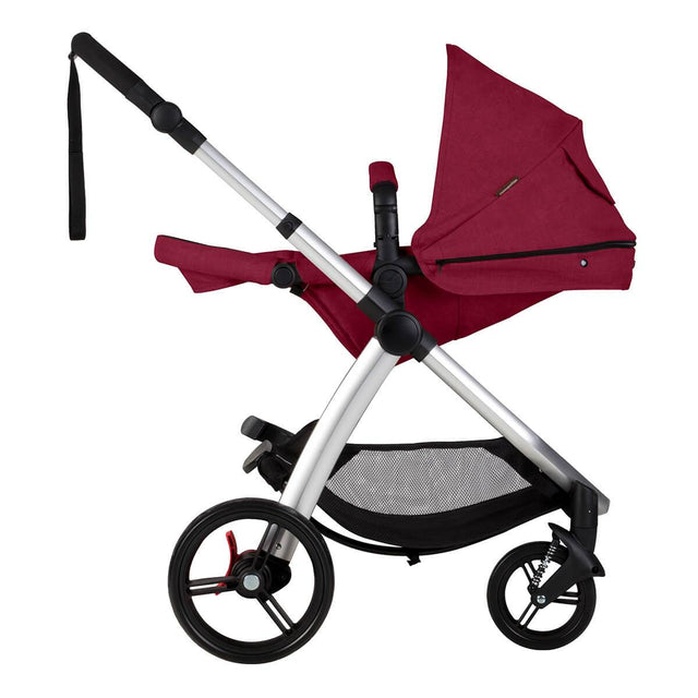 Mountain Buggy cosmopolitan 4 wheel modular buggy in parent facing seat in lie flat mode in colour bordeaux_bordeaux
