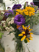 Load image into Gallery viewer, Flower Arrangements