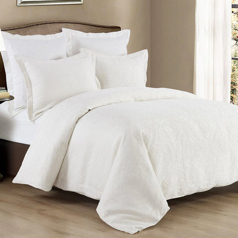 Matelassé Coverlet Set HiEnd Accents - unique linens online