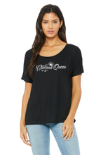 Load image into Gallery viewer, Chicana Queen Slouchy Tee