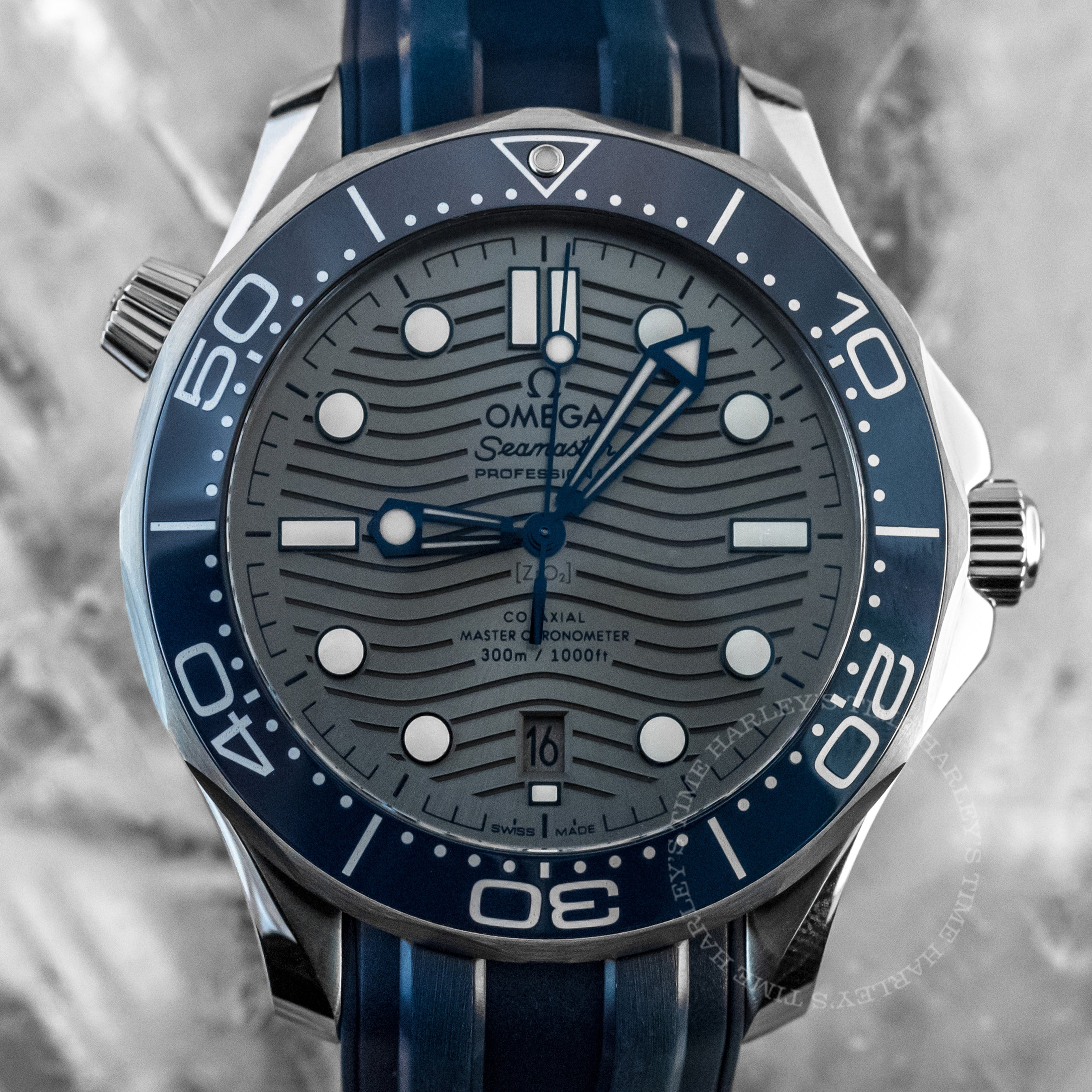 Omega Seamaster Diver 300M Grey Dial 42mm Rubber strap Ref#210.32.42.20.06.001