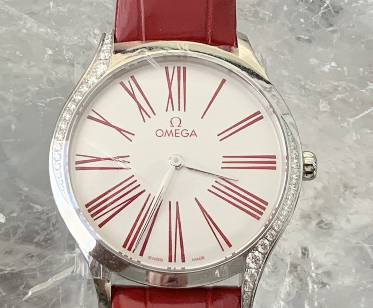 Omega De Ville Trésor  White Dial Diamond 36mm Leather strap 428.18.36.60.04.002