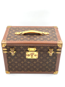 Louis Vuitton Beauty Case Monogram Canvas, Leder, goldfarbenes Metall