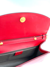 Laden Sie das Bild in den Galerie-Viewer, Gucci Zumi smooth leather shoulder bag