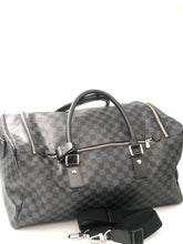 Laden Sie das Bild in den Galerie-Viewer, Louis Vuitton Damier Graphite Canvas Roadster Duffel Bag