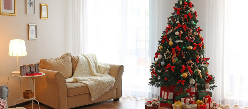 5 Simple Ways To Decorate Your Bachelor Pad for Christmas