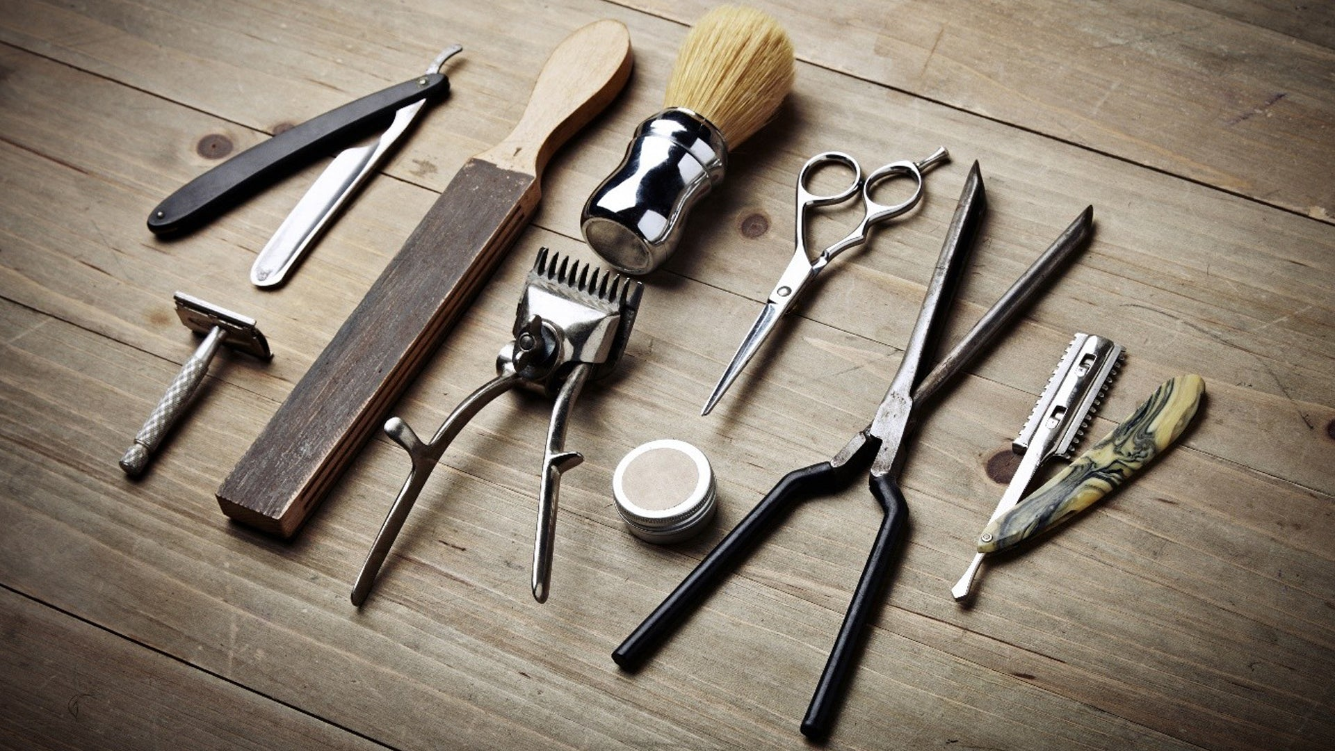 Use Appropriate Tools - Hair Care Tips for Men by Cinthol Awesome Men
