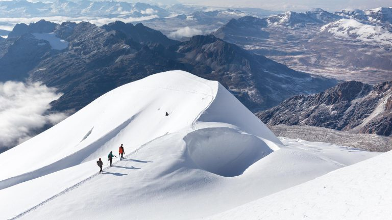 Snow Mountain Trek - Awesome Men