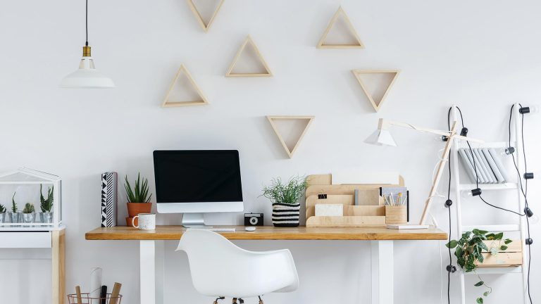 Wall decoration - Top essentials for a Bachelor Pad