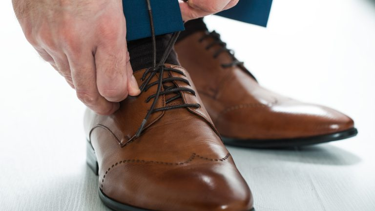 Oxfords, well-polished, suit color matching shoes - Style Guide for job Interview