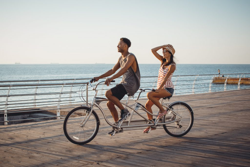 Hire a tandem bicycle - Awesome Men