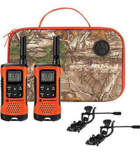 Load image into Gallery viewer, Motorola 2-way Radio/FRS including Camo Carry Case and Earbuds #T265