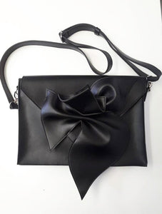 "Black Messenger Bag ""The Kiss"""
