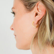 Load image into Gallery viewer, Small, light-ray hoop earrings, gold-plated