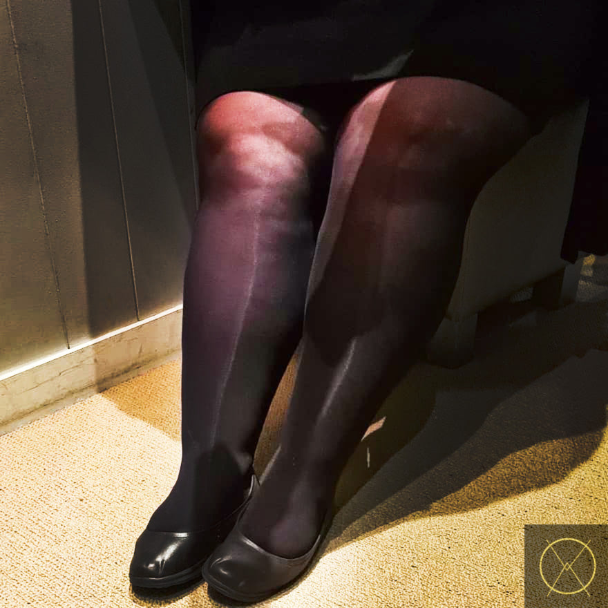 30 Denier Sheer BLACK CURVE Pantyhose