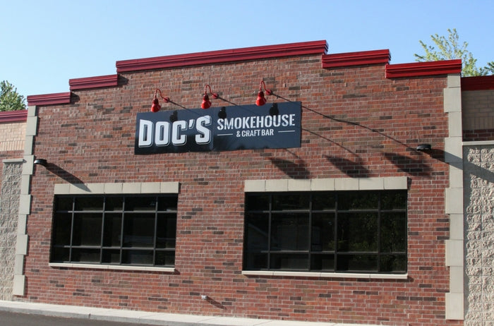 outside of docs smokehouse & craft bar in dyer indiana