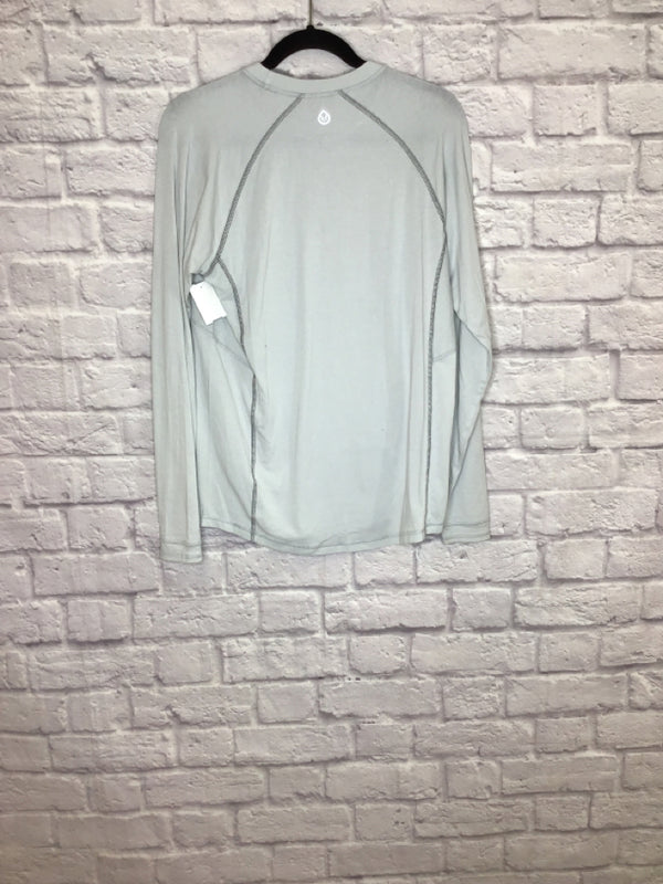 Tasc Performance Women's Size M Pale Gray Cotton/Viscose Lycra Athletic Top