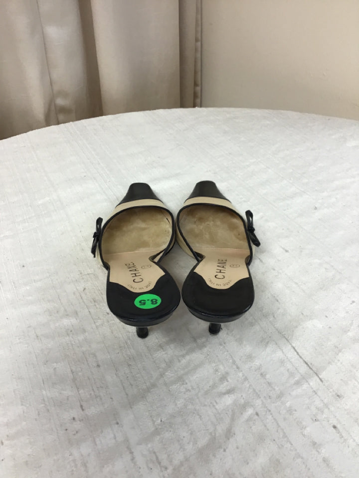 CHANEL Women's Size 8.5 Beige Leather Slides