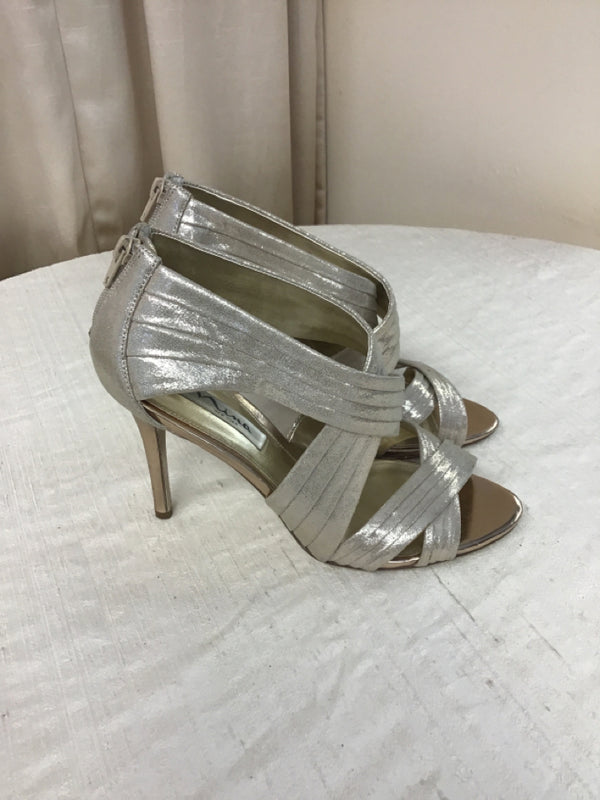 Nina Size 9.5 Gold Textile Evening Shoes