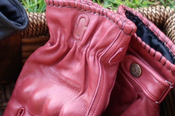 Wild Ones Gloves - Maroon
