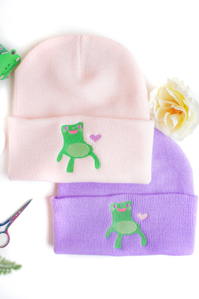 Froggy Chair Heart Embroidered Beanie - Momokakkoii