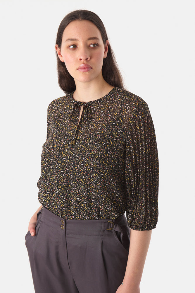 Load image into Gallery viewer, Dimity Top - Black