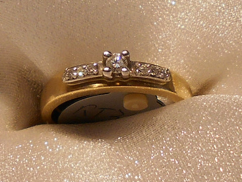 Picture of Diamond Ring RT3854