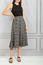 Load image into Gallery viewer, Release Pleated Skirt - Black Cream