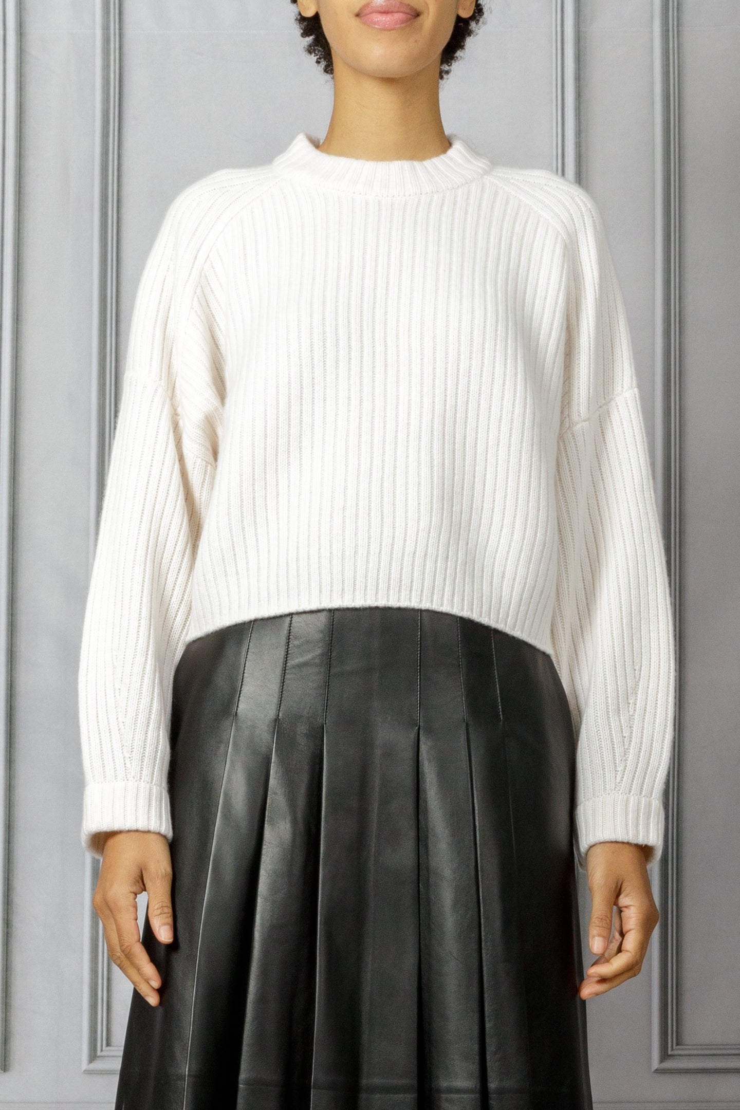Maca Cropped Ribbed Pullover Sweater - White