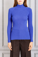 Load image into Gallery viewer, Fitted Turtleneck Knit Sweater - Cobalto