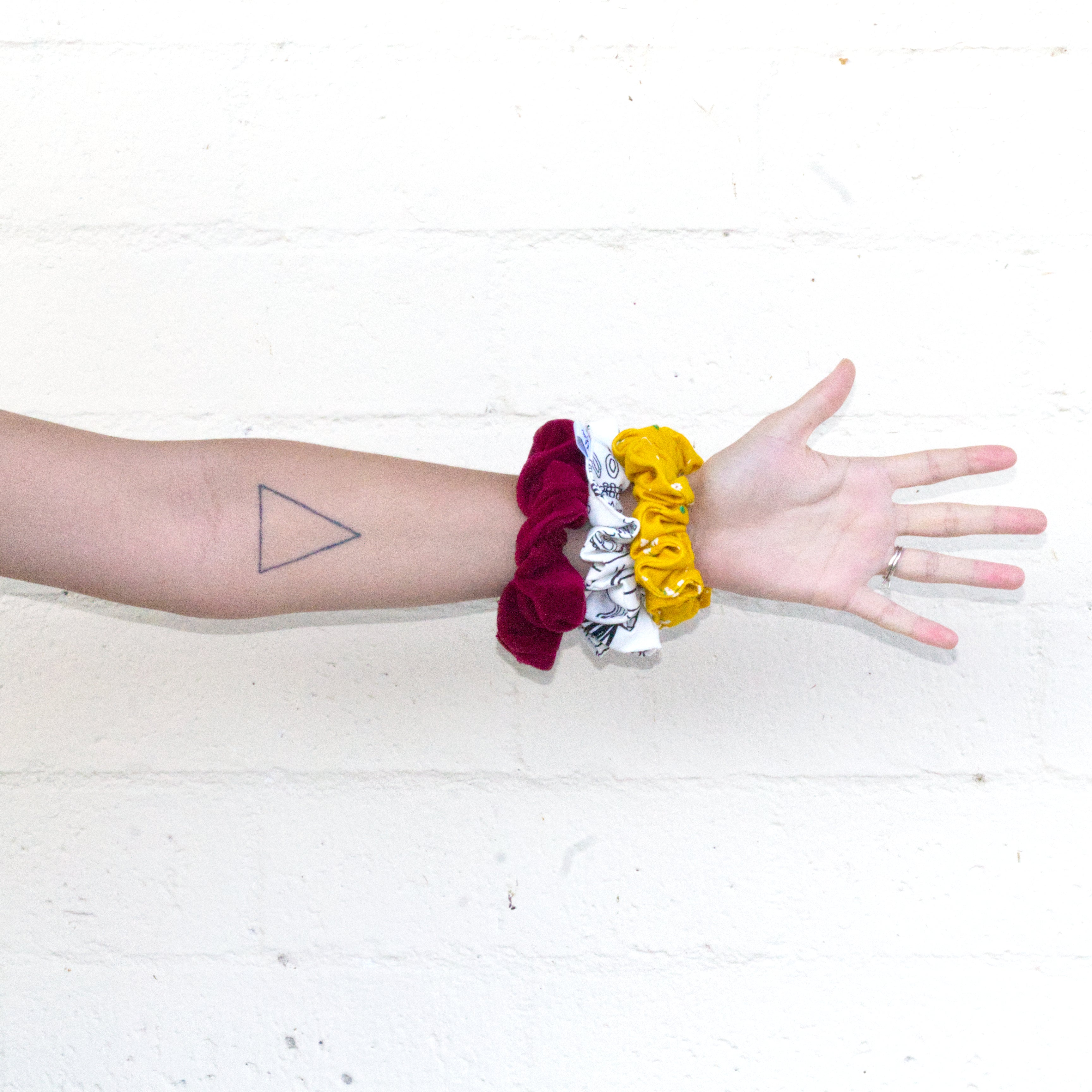How To Make A Scrunchie DIY Sewing Tutorial: Multiple Scrunchies