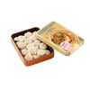 Chocolate Amatller White chocolate and strawberry leaves tin 60g