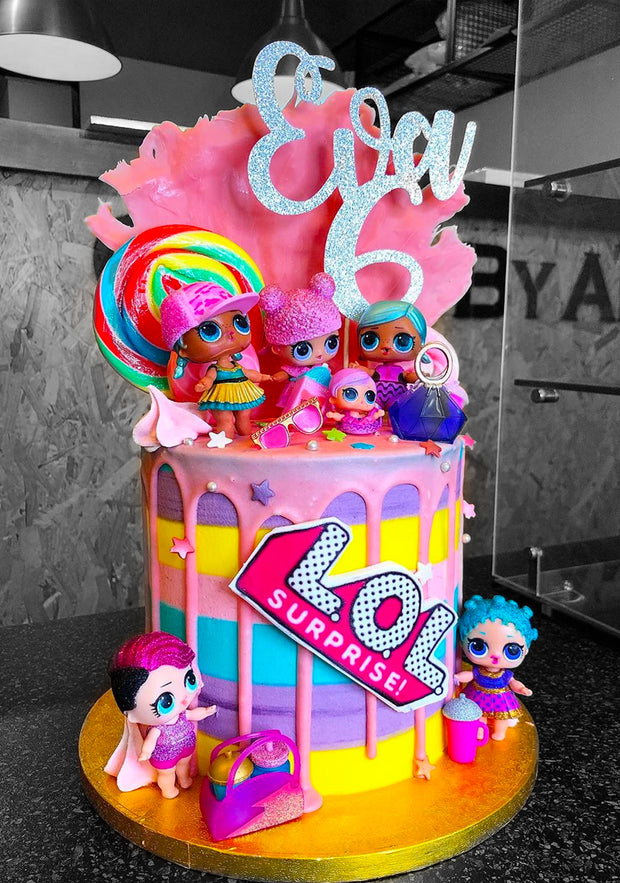 "This is a 6"", Tall style cake (feeds 30-40 approx) dolls not included"