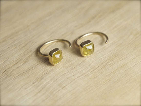 Marigold Diamond ハグピアス
