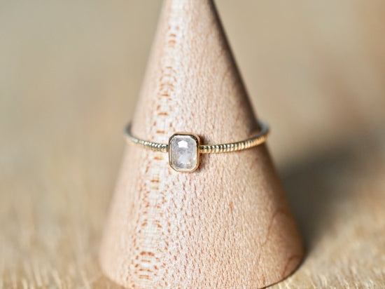 Vague Cloud Diamond Ring